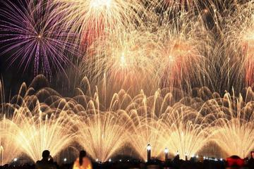 2017 chinese new year fireworks cruise with buffet dinner and drinks hong kong - Chinese New Year Fireworks