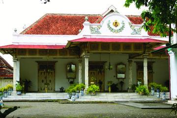 Full-Day Yogyakarta Royal Journey
