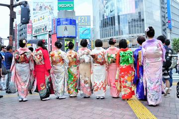 Kimono Rental and Photoshoot at the Shibuya Crossing