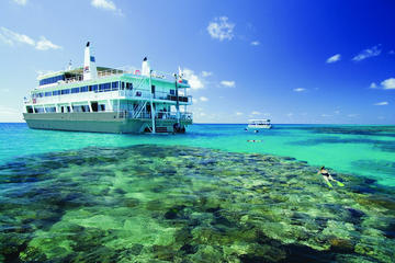 4-Day Great Barrier Reef Cruise to Hinchinbrook Island from Cairns