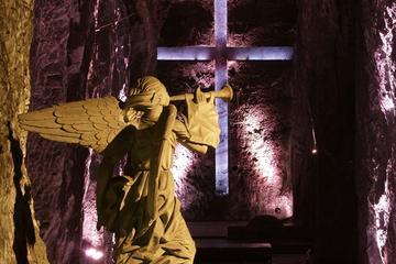 Entrada a la catedral de Sal de...