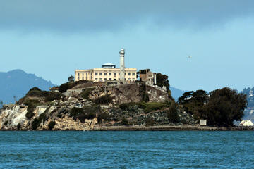 Early Access to Alcatraz with Two Day Hop on Hop off and Ripley's...