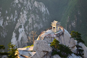 Mount Huashan Adventure Bus Tour