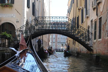 Walking Tour of Hidden Venice and Iconic Gondola Ride