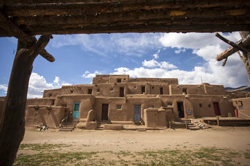 Taos Small-Group Cultural Driving Tour