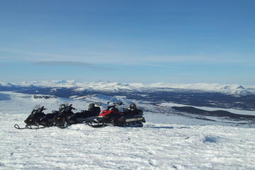 2-Day Snowmobile Expedition in...