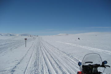 5-Day Snowmobile Expedition in...