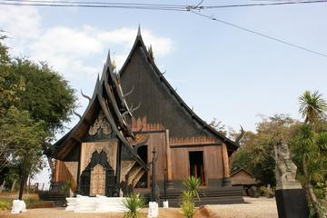 One Day Best of Chiang Rai Temples (A day at White Temple and Black...