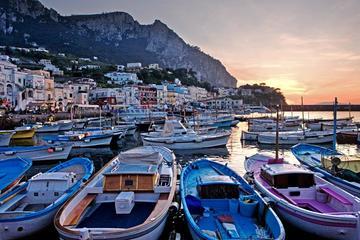 Die Insel Capri mit dem Boot