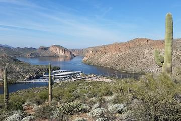 Apache Trail Day Tour: Superstition Mountains