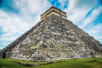 Chichén Itzá, cenote y Valladolid en un día desde Cancún