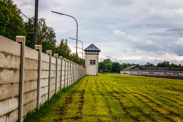 5-Hour Dachau Concentration Camp Memorial Site Morning Tour by Train