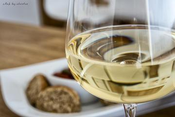 Wine & Food :Taste good life at Santorini