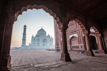 Same Day Taj Mahal tour from Mumbai by flight