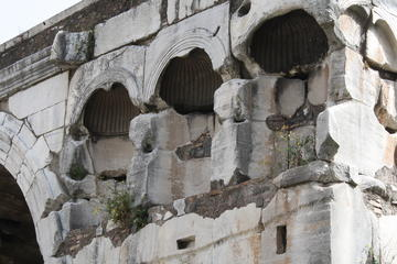 Arches of Ancient Rome Private Tour with Skip-the-Line Colosseum Ticket