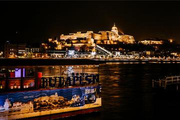 ブダペスト昼と夜の観光クルーズ