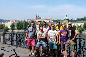3 uur durende volledige fietstour door Praag