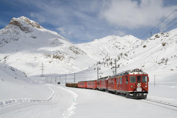 TOUR BERNINA EXPRESS TRAIN AND ST MORITZ