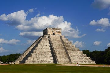 Chichen Itzá  Cenote Ik Kil  Valladolid Colonial City  Premium day...