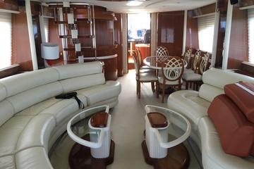 Private 85 Feet Azimut Luxury Yacht Rental in Cancun