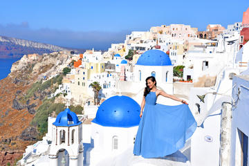 Santorini Photo Tour with your personal Photographer