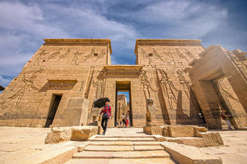 Private Day tour to Aswan from Luxor with Lunch