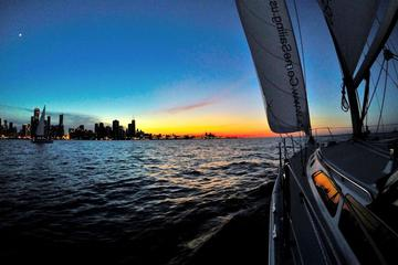 Private Chicago Sunset Sail on Lake