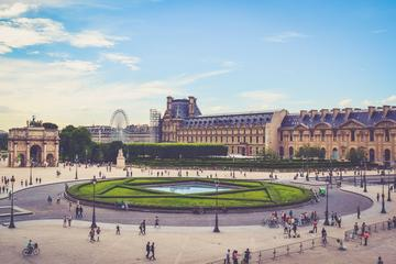 Small-Group Guided Louvre Museum Tour in Paris