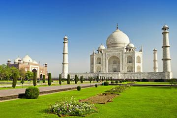 Five Days Private Golden Triangle Tour to Agra Jaipur and Mandawa...