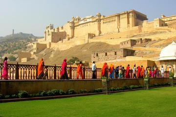 Private Jaipur Sightseeing Day Trip with Royal Palaces visit and Lunch from New Delhi