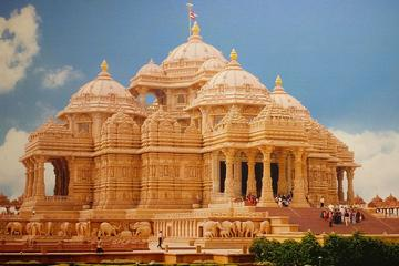 Private Old and New Delhi Full-Day Tour with Akshardham Temple