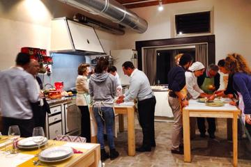 MEET THE MAKERS - PIZZA & WINE - Pizza Making & Chianti Wine Tour (Tuscany)