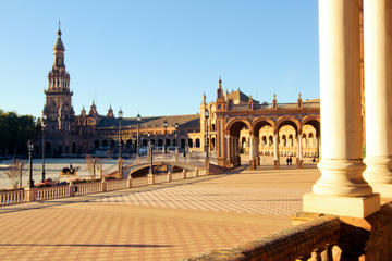 Fascinating and Monumental Seville guided day tour