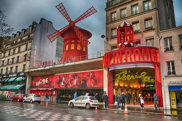 Montmartre District Walking Tour in Paris