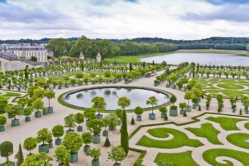 Royal Gardens of Versailles Walking Tour from Paris