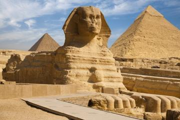 Three Pyramids of Giza and Great Sphinx half day tour