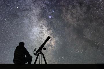 Observation des étoiles en télescope...
