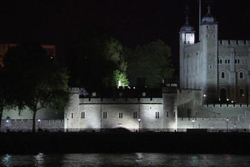 London Ghost Tour with Thames River