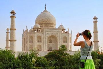 Agra: Taj Mahal Skip-the-Line Entrance Ticket