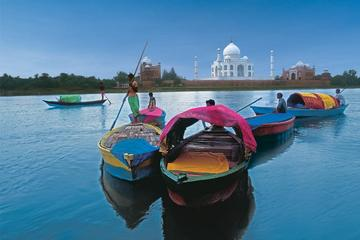 From Jaipur: Overnight Taj Mahal & Agra City Tour by Car