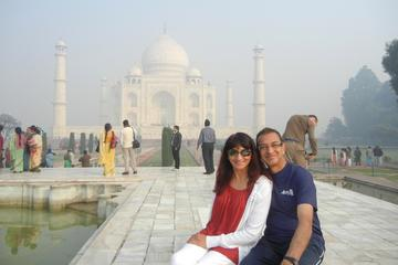 Private Tour: Overnight Taj Mahal and Agra Tour with Fatehpur Sikri from Delhi