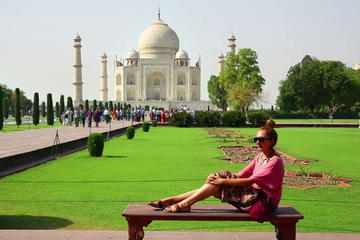 Private Tour: Same Day Luxury Taj Mahal and Agra Tour by Mercedes with Entrances