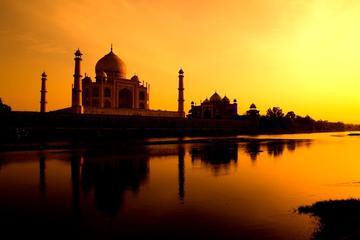 Taj Mahal Sunrise Day Tour from Jaipur