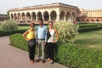 Women Special: Same-Day Taj Mahal & Agra Tour from New Delhi