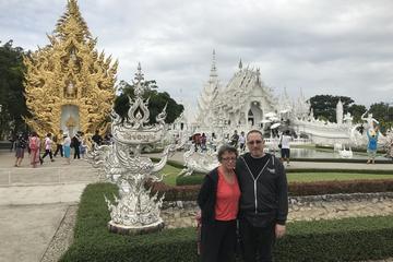 Chiang Rai - White Temple & Golden Triangle