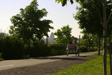 Private guided tour by pedicab on Ile d'Orleans