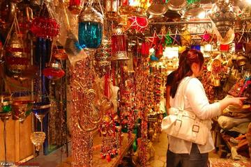 A Walk through Jaipur's Colorful Bazaars