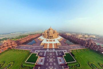 Above Delhi: Unique Helicopter Tour of India's Magnificent Capital with Private Transfer