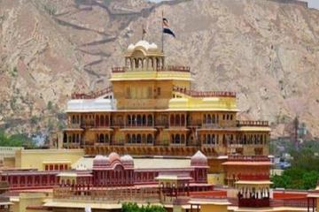 Magnificent Jaipur - a Half Day City Tour