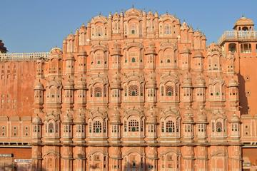 Magnificent Jaipur - An Overnight Journey From Delhi Via Private Transfer